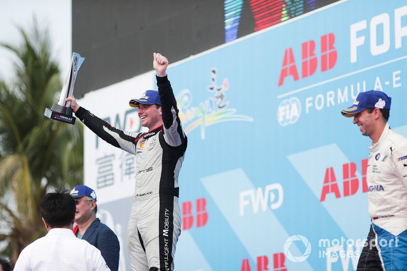 Oliver Rowland, Nissan e.Dams, 2nd position, celebrates his maiden Formula E podium finish