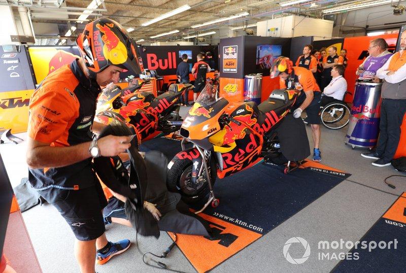 Le garage de Johann Johann Zarco, Red Bull KTM Factory Racing