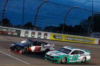 Ryan Blaney, Team Penske, Ford Mustang MoneyLion Landon Cassill, StarCom Racing, Chevrolet Camaro Superior Essex