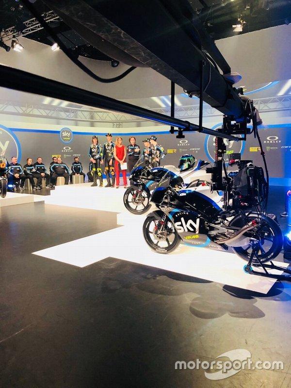 Atmosfera durante la presentazione dello Sky Racing Team VR46