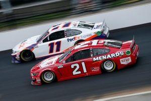 Matt DiBenedetto, Wood Brothers Racing, Ford Mustang RED KAP/Menards, Denny Hamlin, Joe Gibbs Racing, Toyota Camry FedEx Express