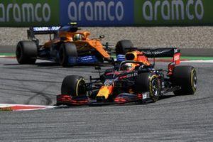 Max Verstappen, Red Bull Racing RB16, leads Lando Norris, McLaren MCL35