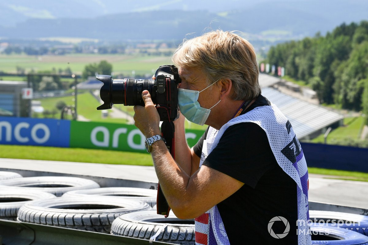 Steven Tee, Fotografo