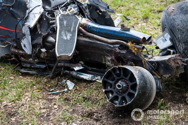 La voiture accidentée de Fernando Alonso, McLaren MP4-31