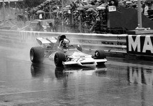 Yarış galibi Jean Pierre Beltoise, BRM P160B