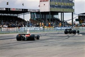 Clay Regazzoni, Ferrari 312T, Tom Pryce, Shadow DN5 Ford