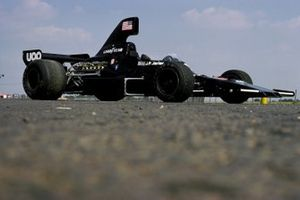 Shadow DN7