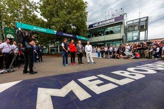 Chase Carey, CEO de F1, Michael Masi, Director de la carrera de F1 de la FIA, Andrew Westacott CEO y Paul Little presidente de Australian Grand Prix Corporation