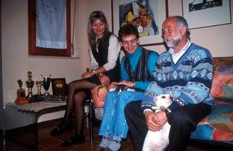 يارنو تروللي وأمه ووالده