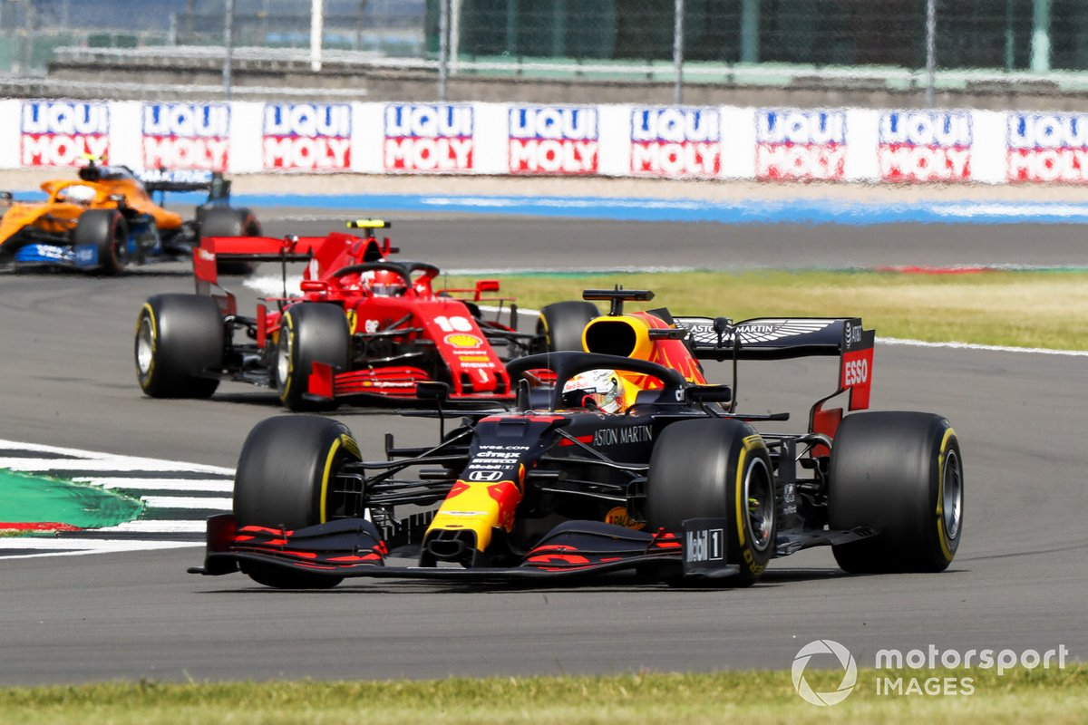 Max Verstappen, Red Bull Racing RB16, Charles Leclerc, Ferrari SF1000, e Lando Norris, McLaren MCL35