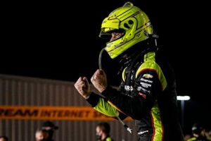 Simon Pagenaud, Team Penske Chevrolet celebrates