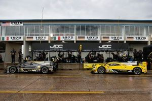 #5 Mustang Sampling Racing / JDC-Miller MotorSports Cadillac DPi, DPi: Sebastien Bourdais, Joao Barbosa, #85 JDC-Miller Motorsports Cadillac DPi, DPi: Stephen Simpson, Tristan Vautier