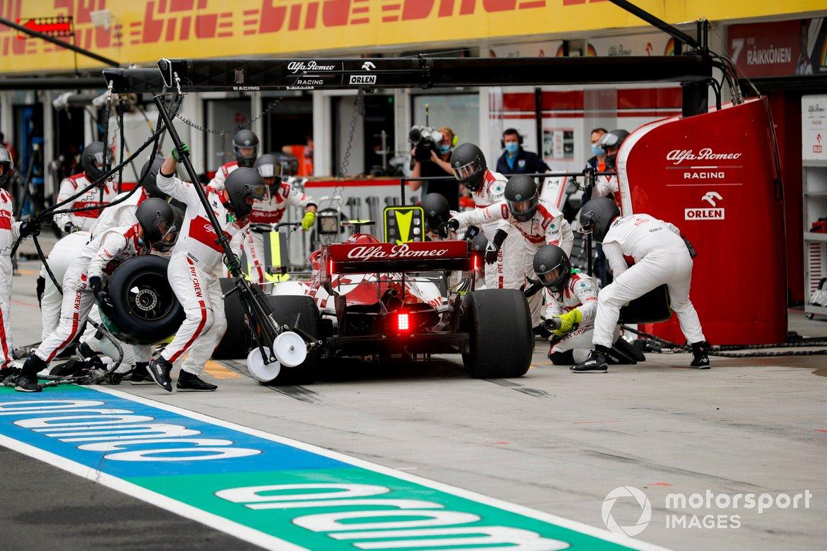 Antonio Giovinazzi, Alfa Romeo Racing C39, effettua un pit stop