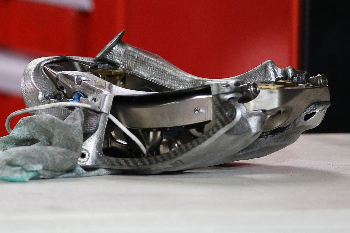 Dettaglio della pinza del freno Ferrari