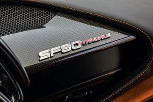 Gli interni della, Ferrari SF90 Stradale