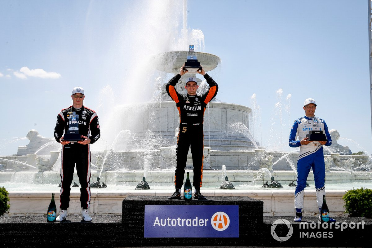 Podio: tercer lugar lugar Alex Palou, Chip Ganassi Racing Honda, ganador Patricio O'Ward, Arrow McLaren SP Chevrolet, segundo lugar Josef Newgarden, Team Penske Chevrolet