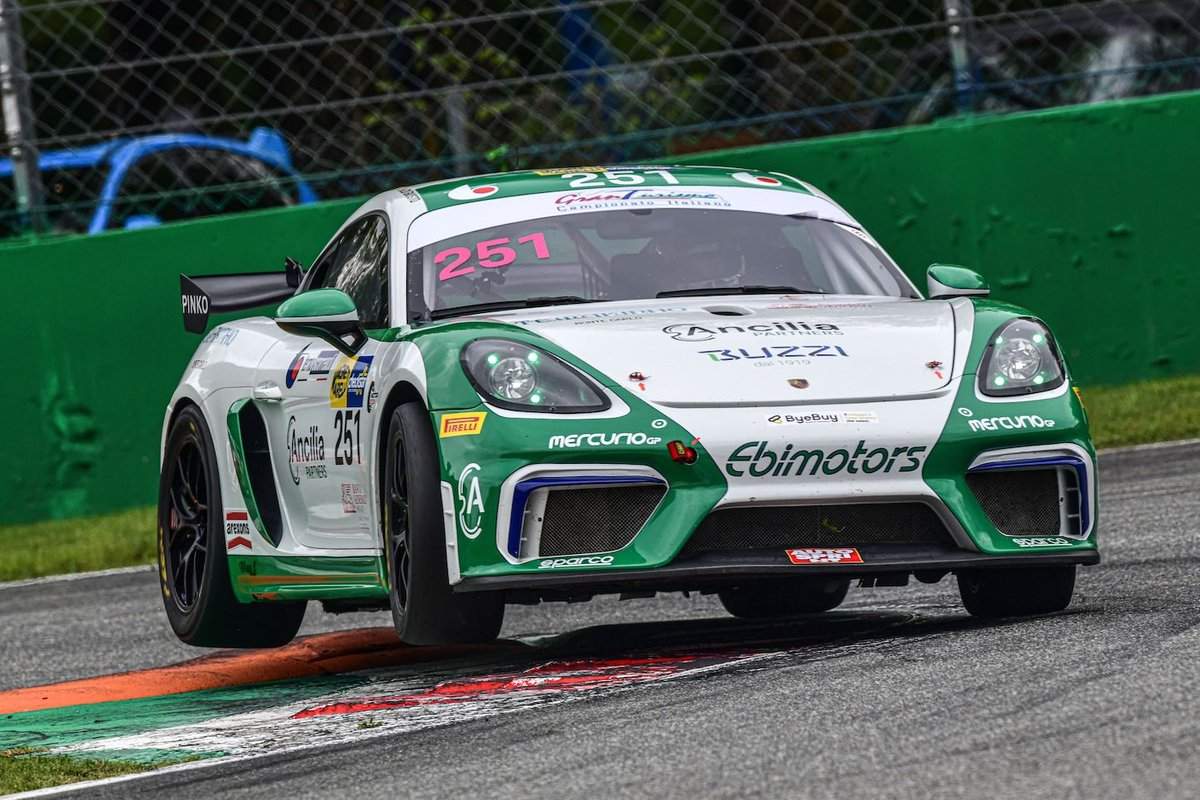 #251 Ebimotors, Porsche 718 Cayman GT4: Mattia Di Giusto, Fabio Babini