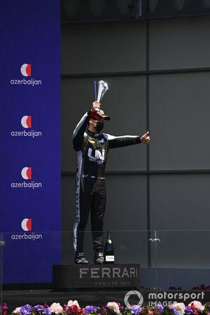 Guanyu Zhou, Uni-Virtuosi Racing, 3rd position, with his trophy