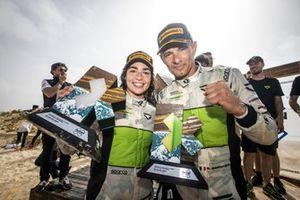 Jamie Chadwick, Stephane Sarrazin, Veloce Racing with trophy