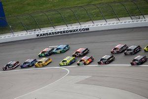 Brad Keselowski, Team Penske, Ford Mustang Verizon 5G, William Byron, Hendrick Motorsports, Chevrolet Camaro Axalta