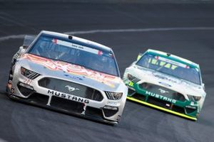 Cole Custer, Stewart-Haas Racing, Ford Mustang Feeding America/Wow Wow, Matt DiBenedetto, Wood Brothers Racing, Ford Mustang Menards / Masterforce Tools