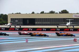 Daniel Ricciardo, McLaren MCL35M, Fernando Alonso, Alpine A521, Lando Norris, McLaren MCL35M, and Antonio Giovinazzi, Alfa Romeo Racing C41