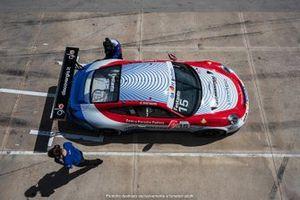 Auto di Festante con lo sponsor Glo
