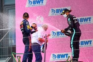 Lewis Hamilton, Mercedes, Max Verstappen, Red Bull Racing, en Helmut Marko, Consultant, Red Bull Racing