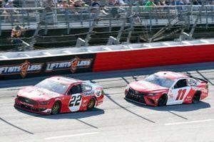 Joey Logano, Team Penske, Ford Mustang Shell Pennzoil, Denny Hamlin, Joe Gibbs Racing, Toyota Camry Sport Clips