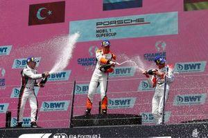 Podio: il vincitore della gara Larry ten Voorde, GP Elite, secondo classificato Ayhancan Güven, BWT Lechner Racing, terzo classificato Leon Köhler, Huber Racing