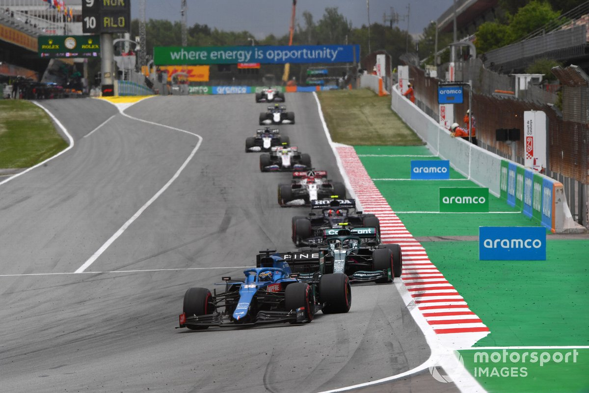 Fernando Alonso, Alpine A521, Sebastian Vettel, Aston Martin AMR21, Pierre Gasly, AlphaTauri AT02