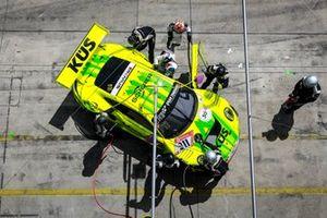 #911 Manthey Racing Porsche 911 GT3 R: Matteo Cairoli, Lars Kern