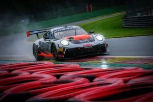 #56 Dinamic Motorsport Porsche 911 GT3-R
