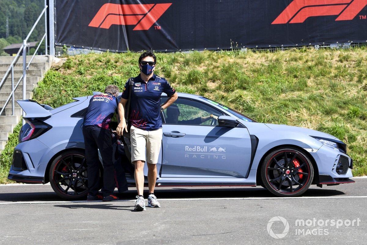 Sergio Pérez llega al Red Bull Racing