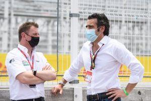 Allan McNish, team principal d'Audi Sport Abt Schaeffler et l'expert TV Dario Franchitti