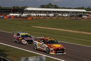 Will Davison, Dick Johnson Racing Ford, Jamie Whincup, Triple 8 Race Engineering Holden