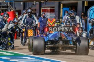 Nicholas Latifi, Williams FW43B, enters his pit box