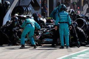 Valtteri Bottas, Mercedes W12 , in de pits