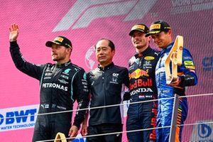 Valtteri Bottas, Mercedes, Toyoharu Tanabe, F1 Technical Director, Honda, Max Verstappen, Red Bull Racing, Lando Norris, McLaren, op het podium
