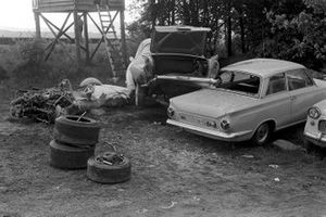 Aftermath of the crash involving Brian Redman, Cooper