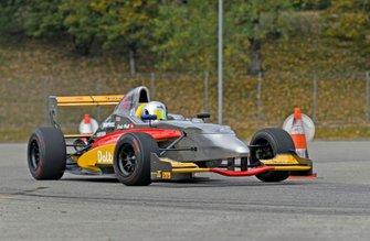 Denis Wolf, Renault Caparo