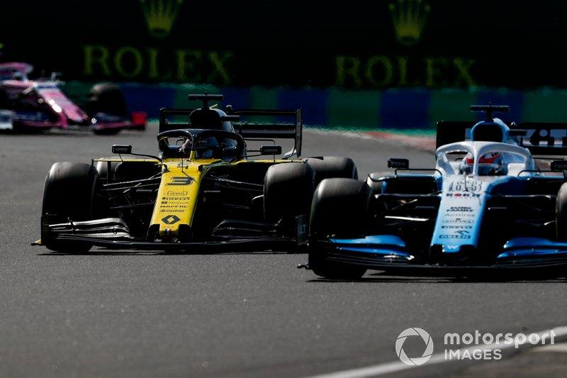George Russell, Williams Racing FW42, Daniel Ricciardo, Renault F1 Team R.S.19