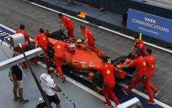 Charles Leclerc, Ferrari SF90 back in pitlane
