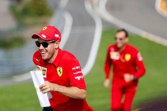 Sebastian Vettel, Ferrari, tijdens de track walk