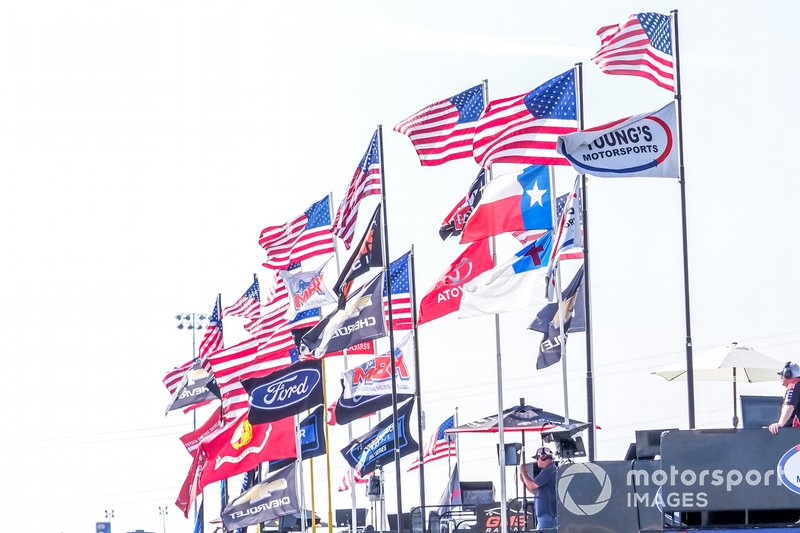 Hauler flags