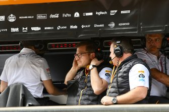 Andreas Seidl, Team Principal, McLaren, and Zak Brown, Executive Director, McLaren, on the pit wall