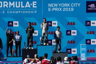 Race winner Sébastien Buemi, Nissan e.Dams celebrates on the podium with Mitch Evans, Panasonic Jaguar Racing, 2nd position, Antonio Felix da Costa, BMW I Andretti Motorsports, 3rd position