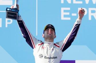 Race winner Robin Frijns, Envision Virgin Racing celebrates on the podium