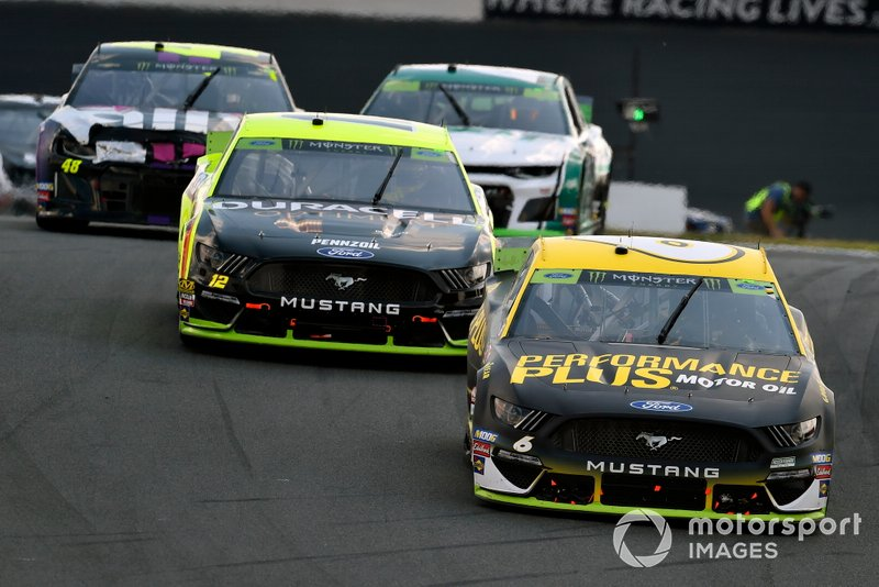 Ryan Newman, Roush Fenway Racing, Ford Mustang Performance Plus and Ryan Blaney, Team Penske, Ford Mustang Menards/Duracell