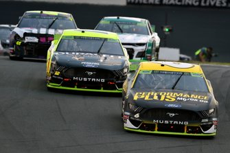 Ryan Newman, Roush Fenway Racing, Ford Mustang Performance Plus, Ryan Blaney, Team Penske, Ford Mustang Menards/Duracell